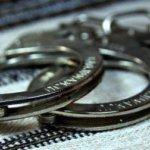 У Коростені поліцейські затримали парубків, які внадились грабувати торгівельний намет
