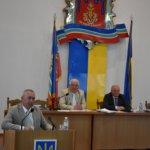 На 31 сесії Коростенської міської ради В. Арешонков заявив про свій намір балотуватись до парламенту