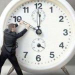 Перевод часов, отказ от мелочи, дополнительный выходной, нововведения по субсидиям и др. — октябрь обещает быть богатым на события