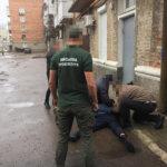 ДБР за дачу хабара затримало посадовця ДСНС м.Коростень