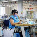 Компанія Буткевича закупила більше 25 тисяч захисних костюмів для медиків Житомирщини у Новоград-Волинської швейної фабрики